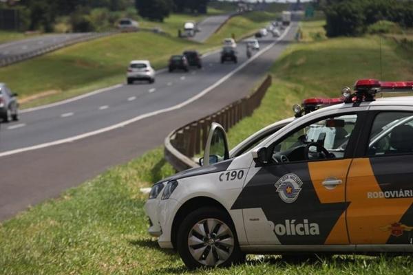 Como acionar e ajudar a polícia rodoviária