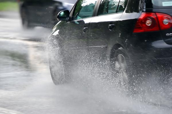 Dicas para os motoristas em período de chuva